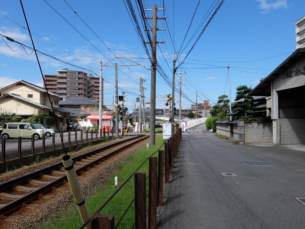ちょうどこの辺りが旧久米駅